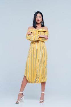 Vestito giallo e cuoio con spalline sottili e bottoni